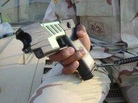 新式电击枪 射程150米