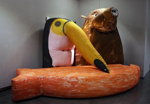 鸟、猪、鱼,它们是奇怪的一家