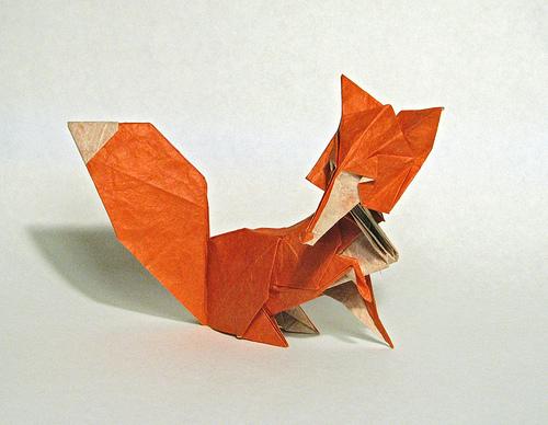 这只狐狸让人联想到了蔡康永,这就厉害啦