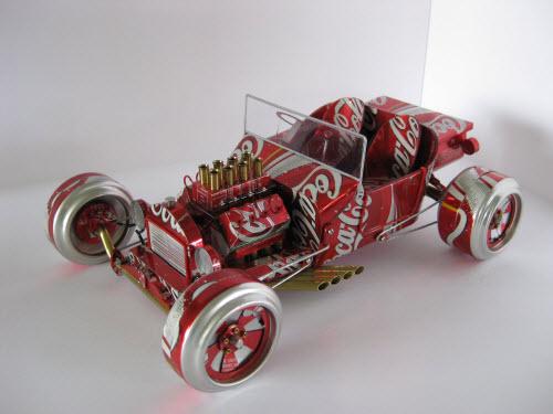 车模本身很好看,罐子本身的花纹更是为它们加分