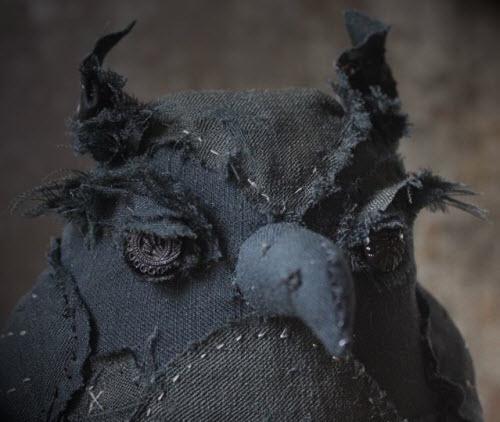 在人类的艺术创作之外,我没有见过耷拉眼皮的猫头鹰