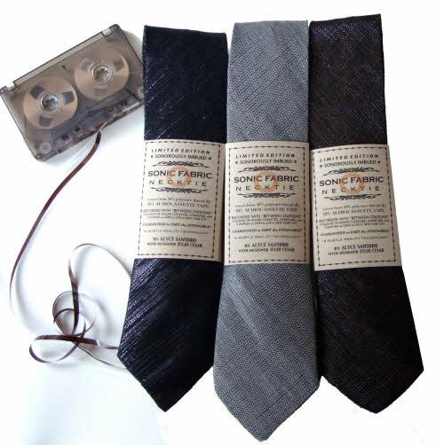 领带和卡带的合体,叫……领卡带?