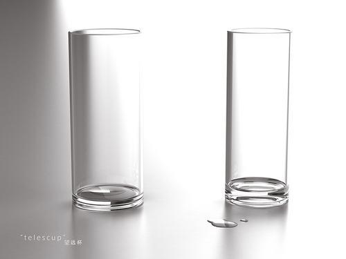 不说你能第一眼就注意到这俩杯子不一样大吗