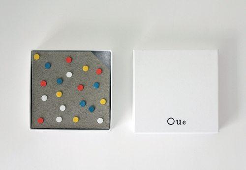 能一眼就说出盒子里有几种颜色的小圆铁片吗