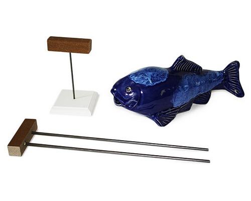 鱼精奔波霸和它的高跷们