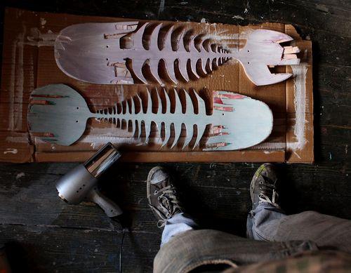 突然意识到滑板鱼骨有成为凶器的潜力