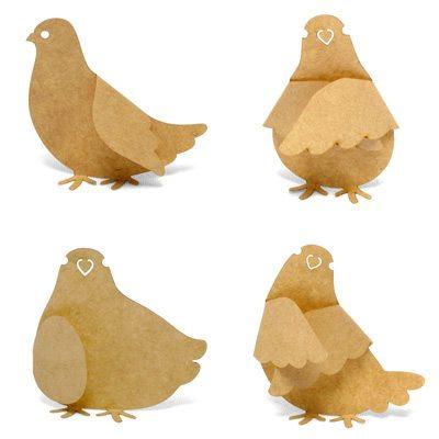 除了第一只以外,其他三只鸽子都显得非常欢乐