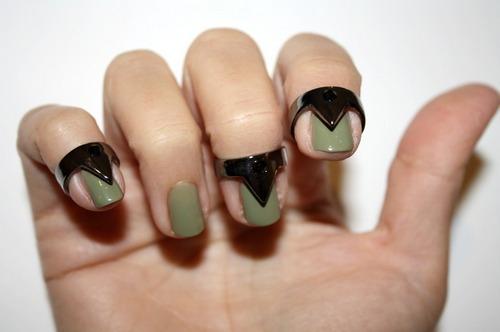 唔,配绿色指甲油很好看,不知道其他颜色怎么样