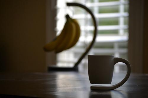 后面的香蕉在学它!