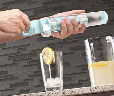 即便现在是冬天,看了图片也忽然想喝一杯冰的柠檬汁