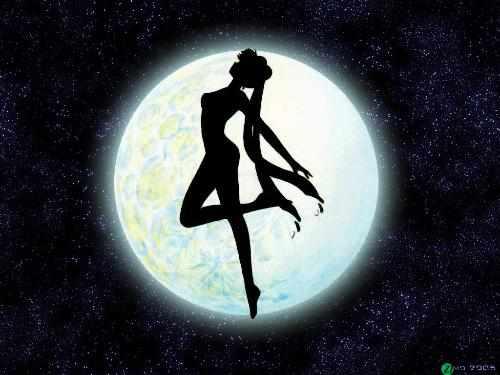 我代表月亮,消灭你们!