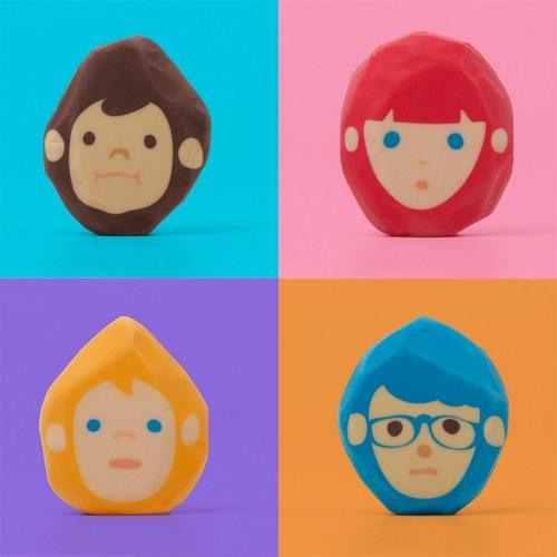 不仅发型不同,脸型也不同
