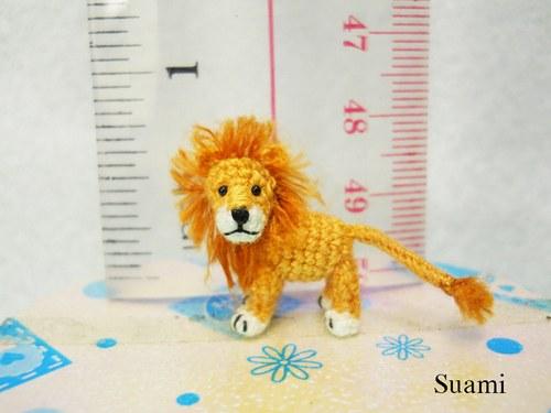 小狮子好可爱。