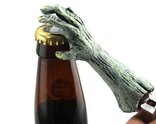 右手放在啤酒上起誓