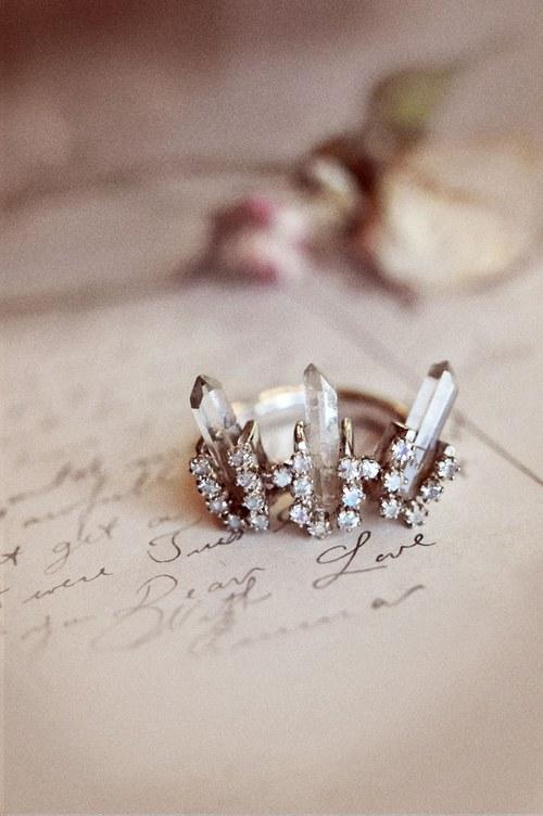 明天的明天,你还会送我水晶之恋吗?