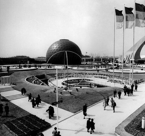 德国馆看起来好像外星基地。