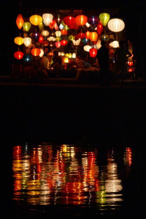 这张图上有47盏灯笼。