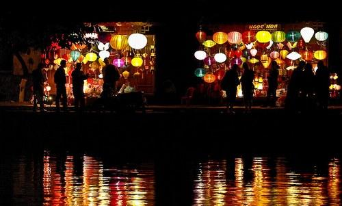 这张图上有44盏灯笼。