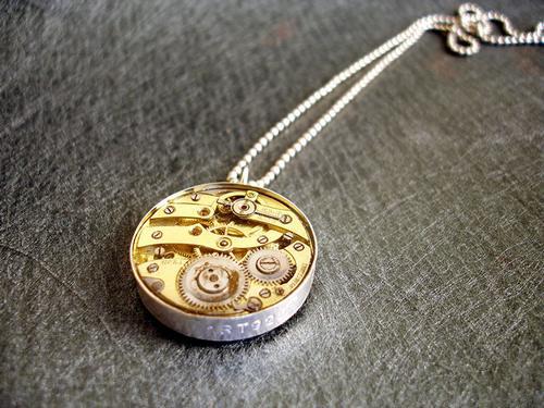 老手表芯挂件,齿轮非常精致