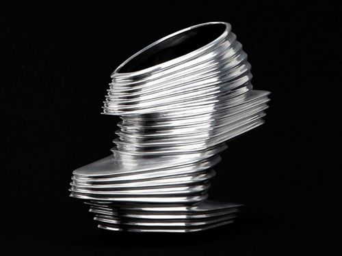 看上去像那个Slinky(机灵鬼)弹簧玩具