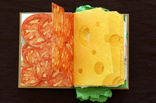 加两层西红柿后请加三片奶酪