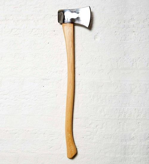 我觉得这更符合利兹・波顿拿着斧( Lizzie Borden took an axe )或我的妈妈杀了我( My mother has killed me)(这些均出自《鹅妈妈童谣》)