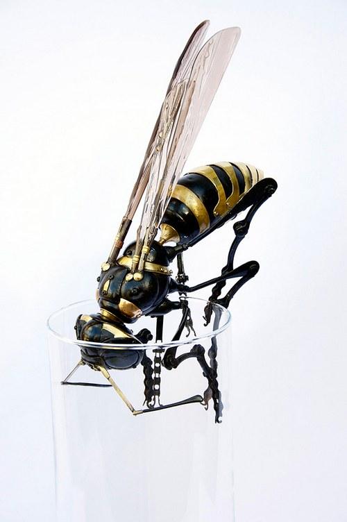 昆虫的造型一般都挺好看,做成机械会很酷,但是一想到把昆虫打死的惨样……
