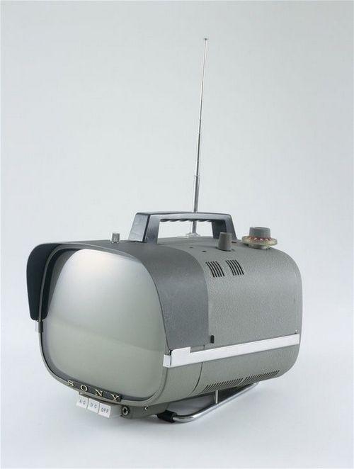 最可爱的电视,就像FLCL一样。