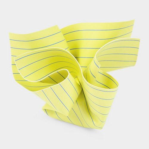 不知道真正能保护孩子视力的到底是绿色纸还是黄色纸,或者它们俩都不是。