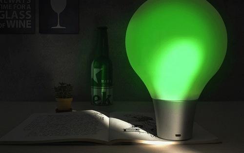 变色龙碰到这样的灯泡,也算棋逢对手