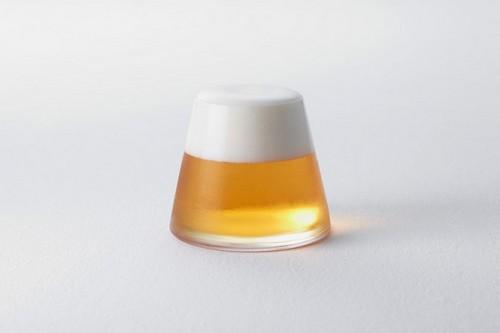 啤酒是凝结了阳光的饮料(所以大白天喝啤酒没有什么不好!)
